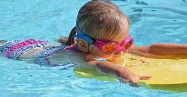 young-swimmer-2494906_960_720