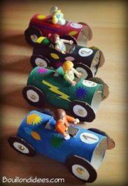 Activité créative enfant rouleau voiture playmobil